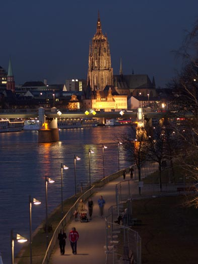 Illumination of the riverbank, © Stadtplanungsamt Stadt Frankfurt am Main